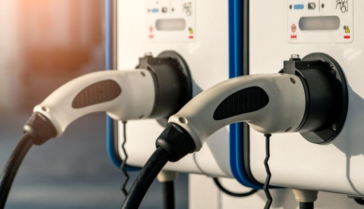 Ezentis desarrolla un proyecto para instalar 'electrolineras'
