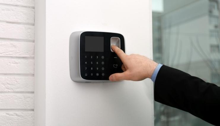 Ezentis amplía su negocio de instalación y mantenimiento de alarmas con la compra de Pentágono
