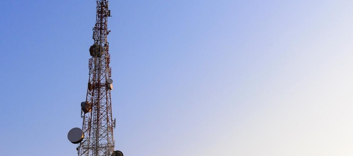 Mantenimiento de infraestructuras de telecomunicaciones en planta interna en la región de São Paulo